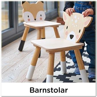 Fina barnstol, barnstolar i trä till barnrummet